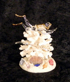 Hand Blown glass Diver w/Eagle Ray on coral w/22 kt gold accents